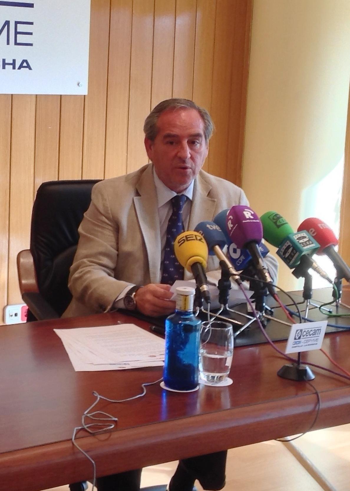 Nicolás (CECAM) explica que el recuento de parados está regulado por ley y que «no está al albur de un funcionario»