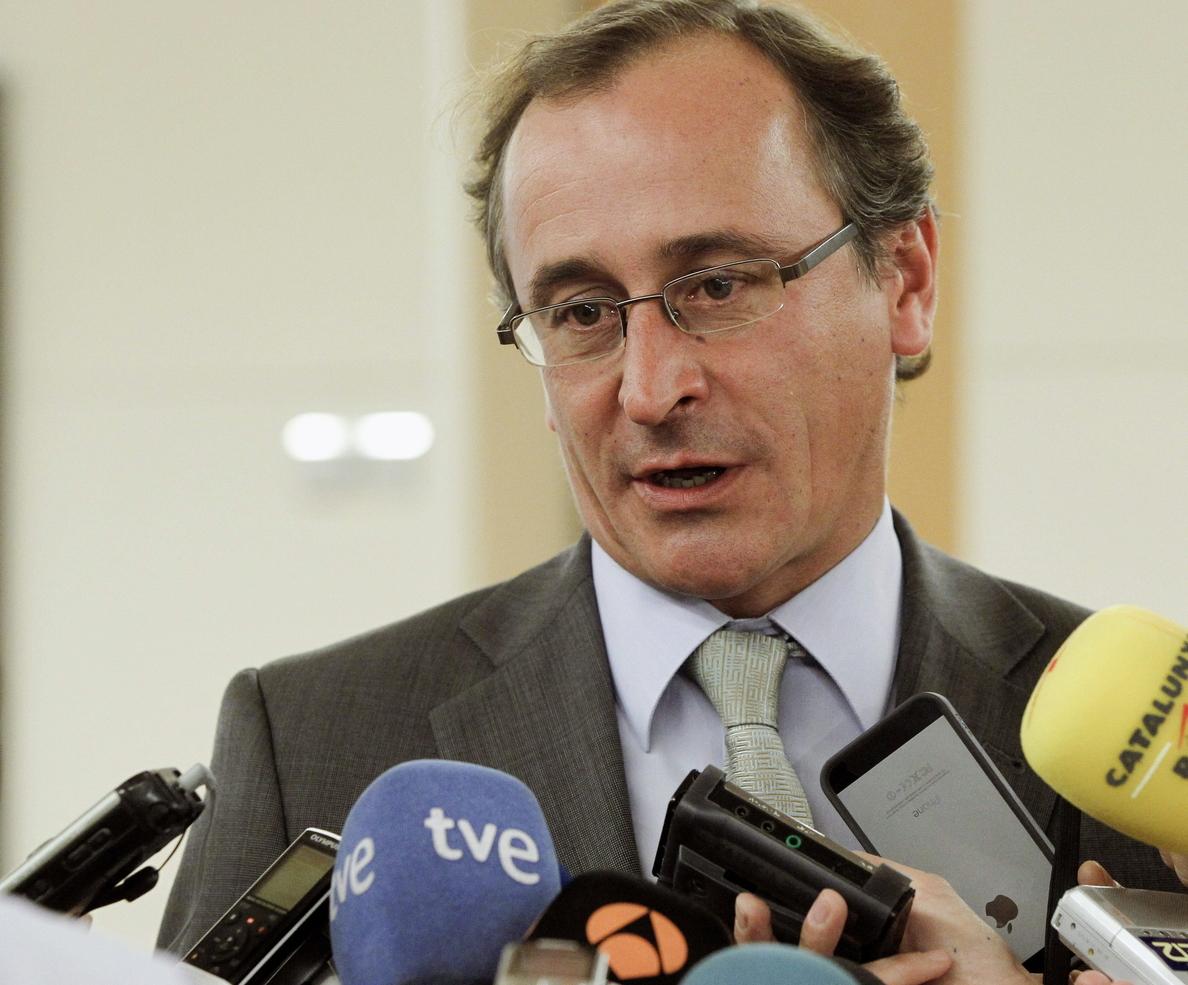 El PP asegura que habrá máxima transparencia e información de Mato por el ébola