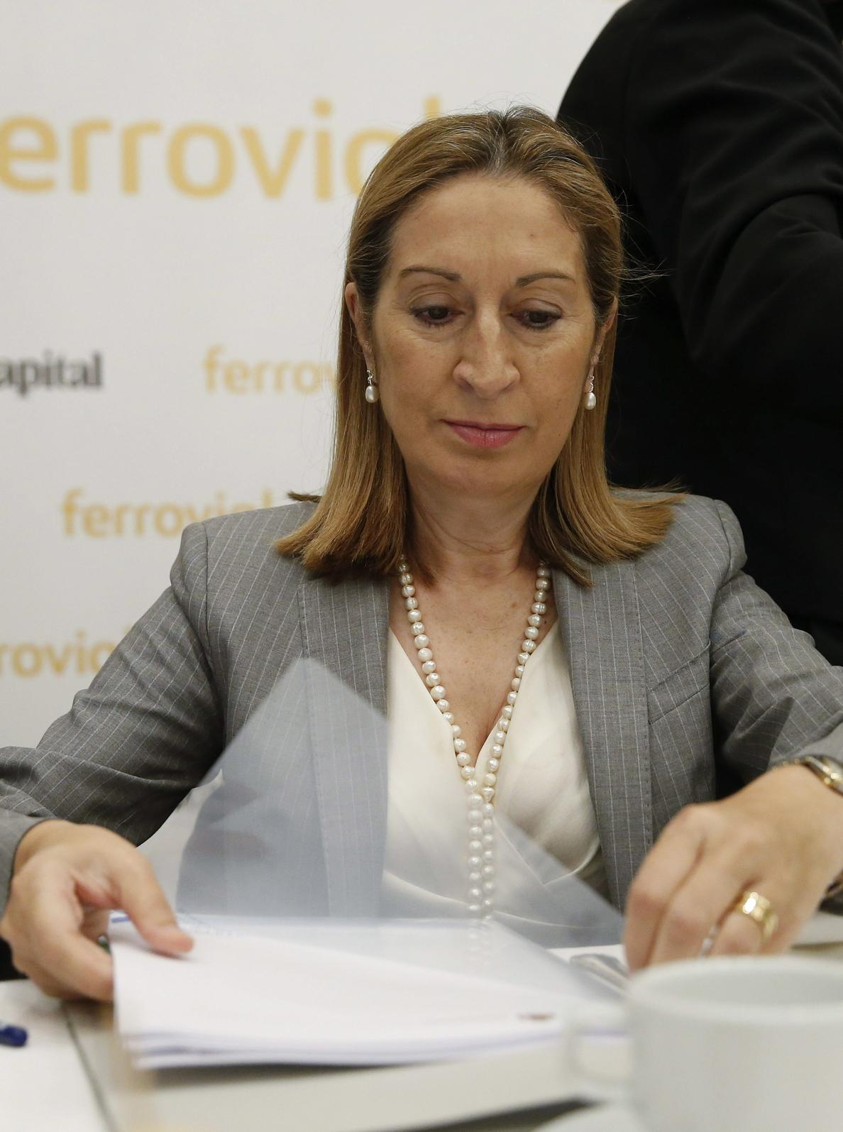 La ministra Ana Pastor participa en el Foro Líderes de la Agencia EFE y KPMG