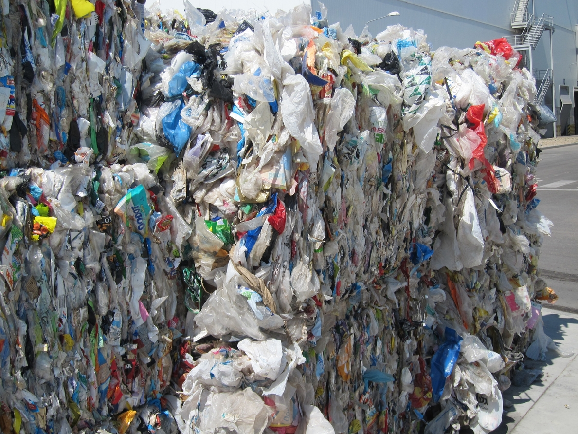 Los baleares, los que más residuos urbanos recogieron por persona en 2012, con 716,2 kilos por habitante