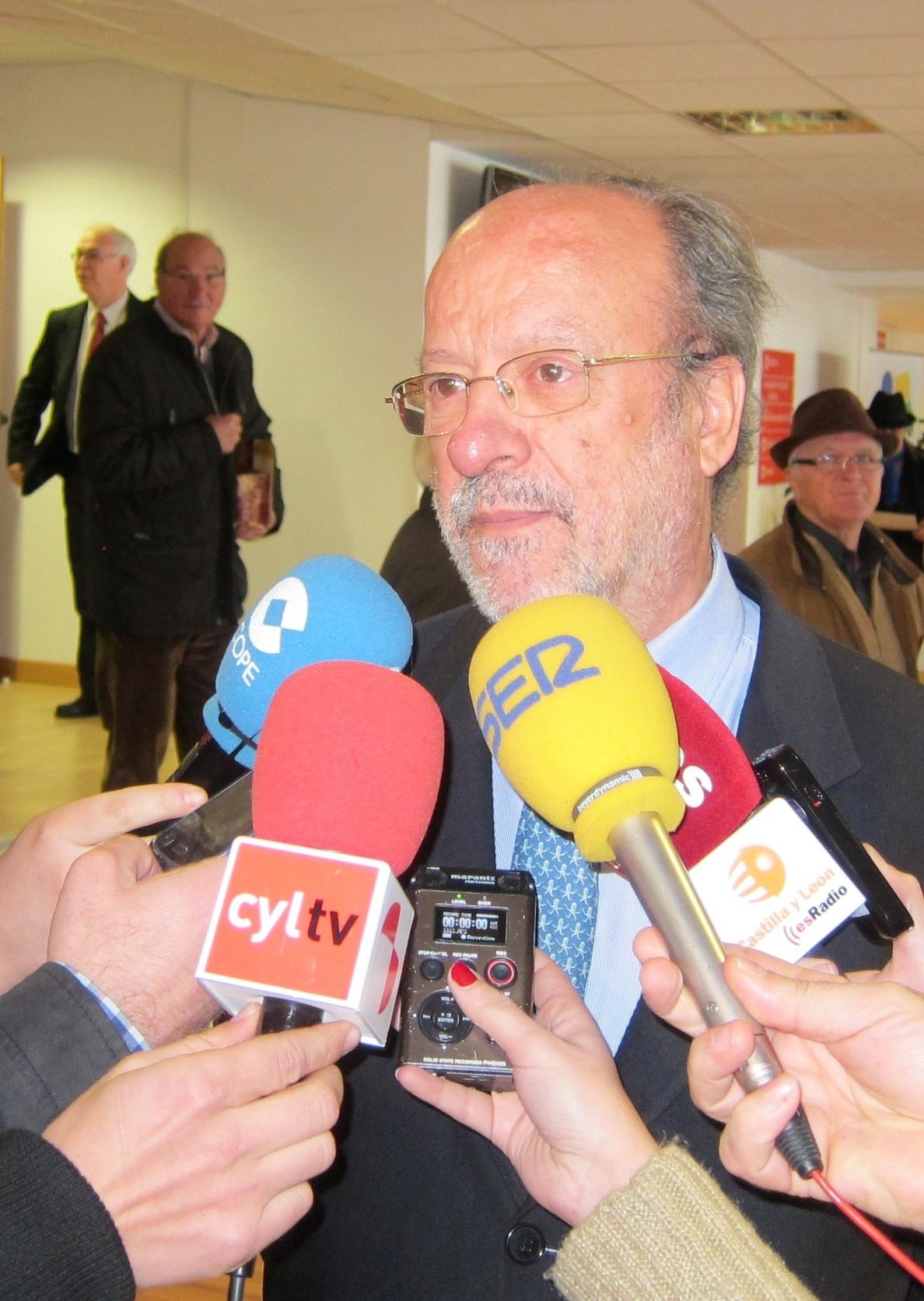 León De la Riva asegura que «responsables» del PP le han felicitado por no quedar imputado y acusa a Puente de mentir