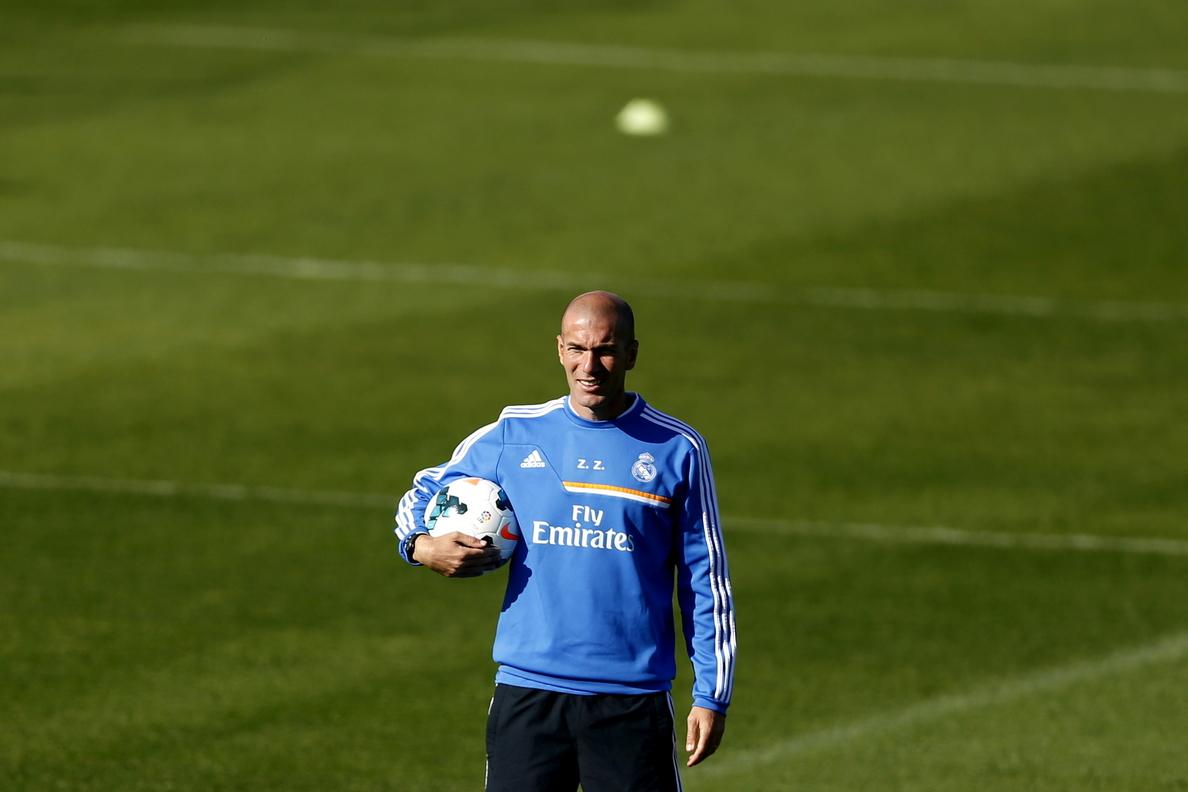 Zidane volverá a sentarse en el banquillo del Castilla tras la decisión del TAD