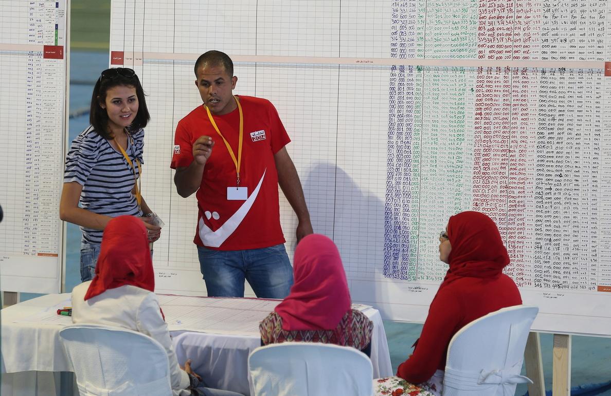 Túnez se centra en una campaña presidencial decisiva para formar Gobierno