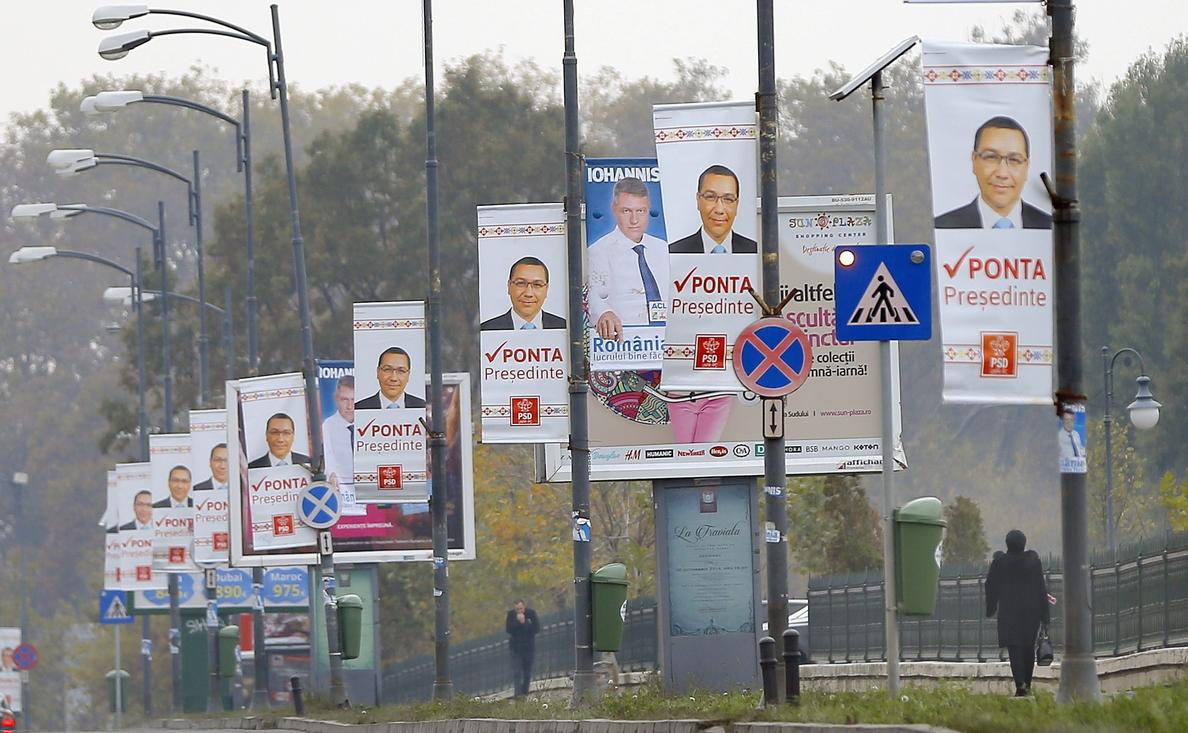 La corrupción persigue a los candidatos a las presidenciales de Rumanía