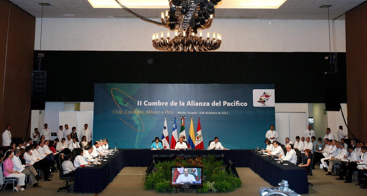 La Alianza del Pacífico y el Mercosur inician diálogo para cooperación mutua