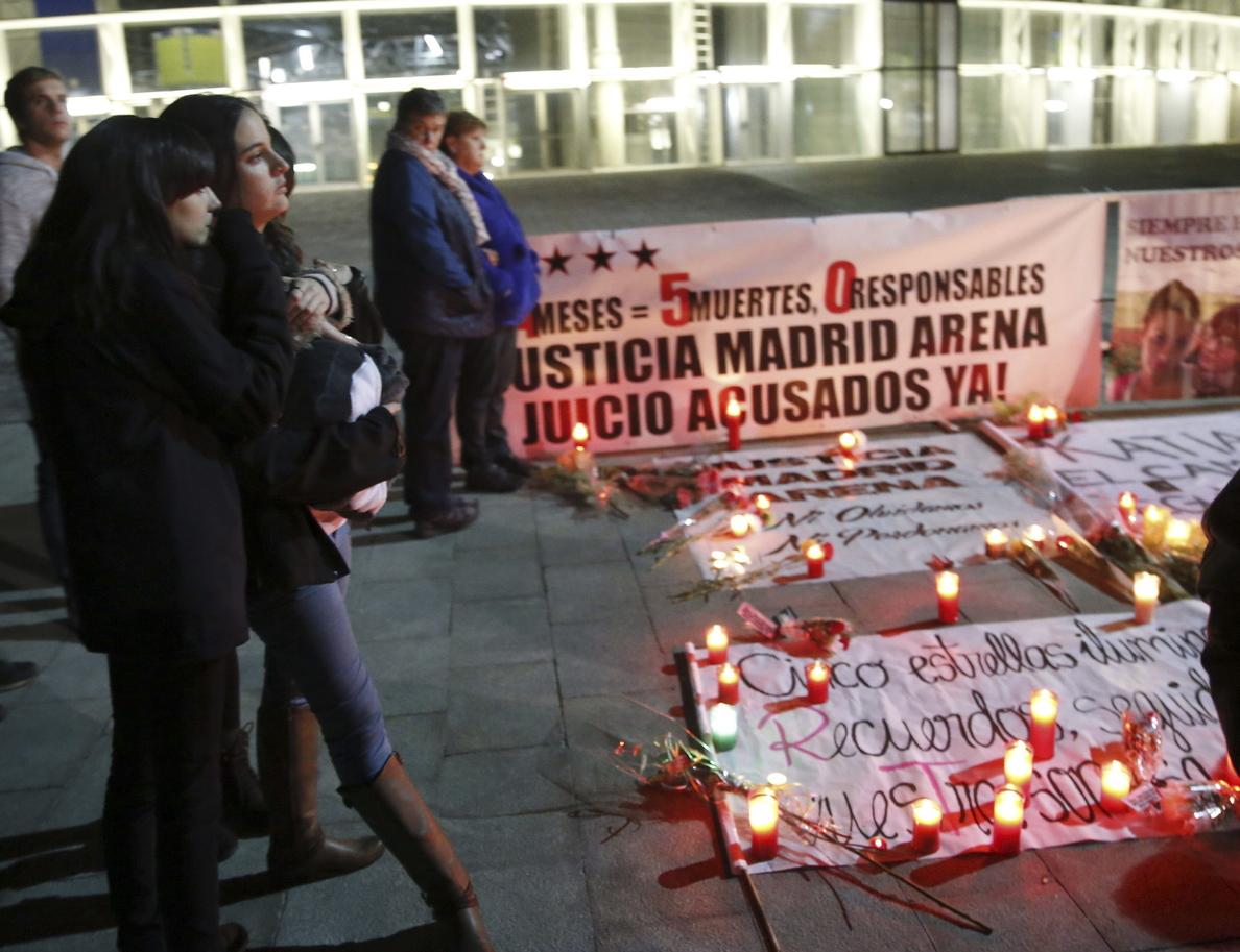 Familiares y amigos recuerdan a las cinco jóvenes que murieron en el Madrid Arena