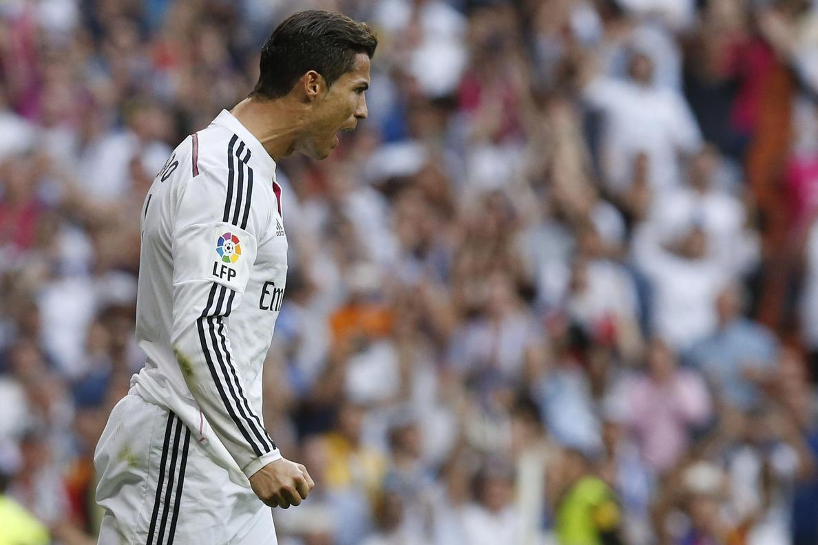 Un Real Madrid de Halloween siembra el terror con otro recital en Granada