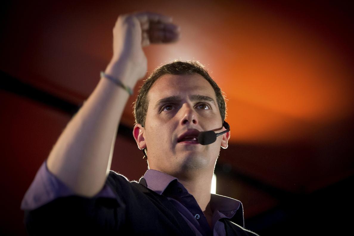 Rivera acusa Mas de escudarse en el 9N por miedo a ir en solitario a las elecciones