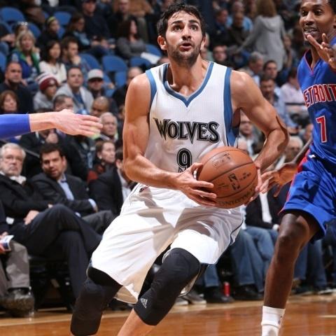 Ricky Rubio renueva con Minnesota Timberwolves hasta 2019