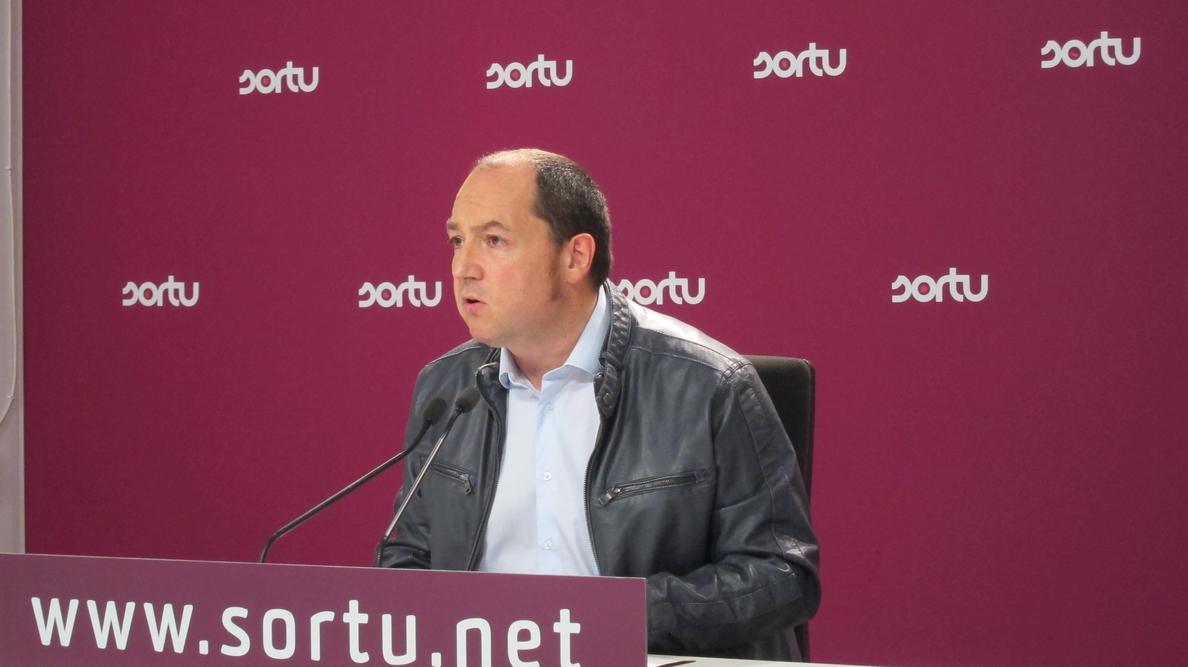 Sortu cree que la actual Ertzaintza «no sirve para el nuevo tiempo político», al haberse dedicado a la lucha contra ETA