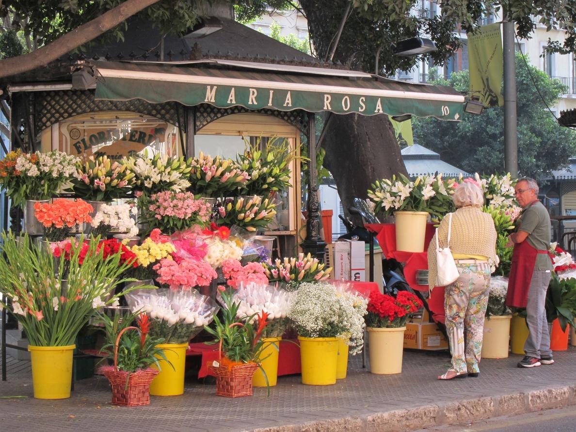 Las floristerías estiman una caída en las ventas del 30% en el Día de Todos los Santos por los puestos ilegales