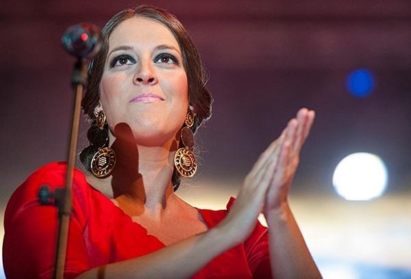 La cantaora onubense Argentina lleva este lunes a Nueva York su »Viaje por el cante»