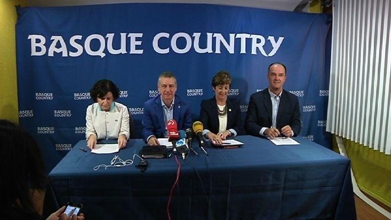 El lehendakari dice que Rajoy está haciendo una política de «dejar que todo se pudra»