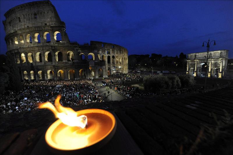 Italia puede poner piso al Coliseo para celebrar actos culturales