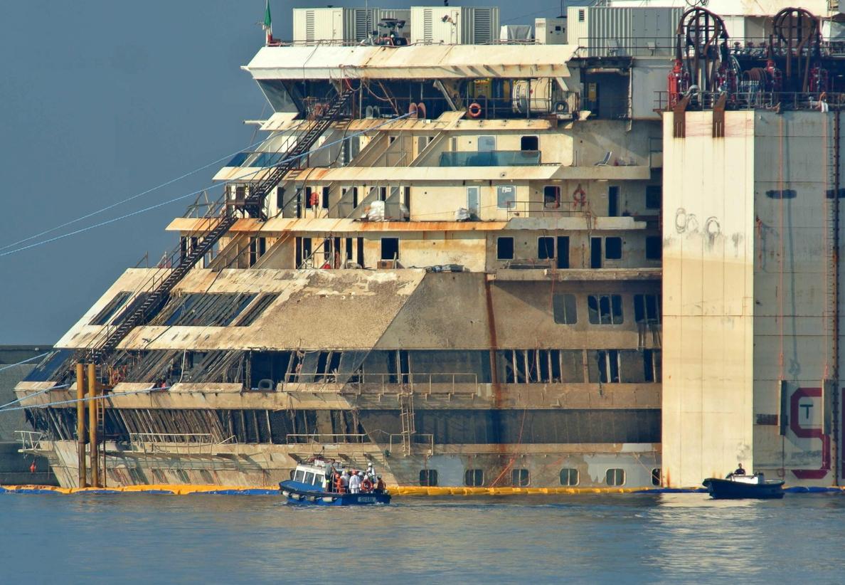Encontrados los restos de la última víctima desaparecida del «Costa Concordia»