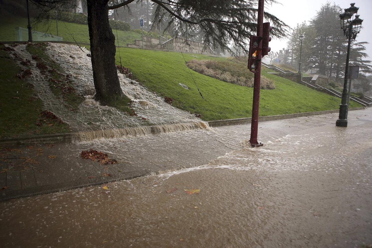 Más de un centenar de incidencias por viento y lluvia en Galicia