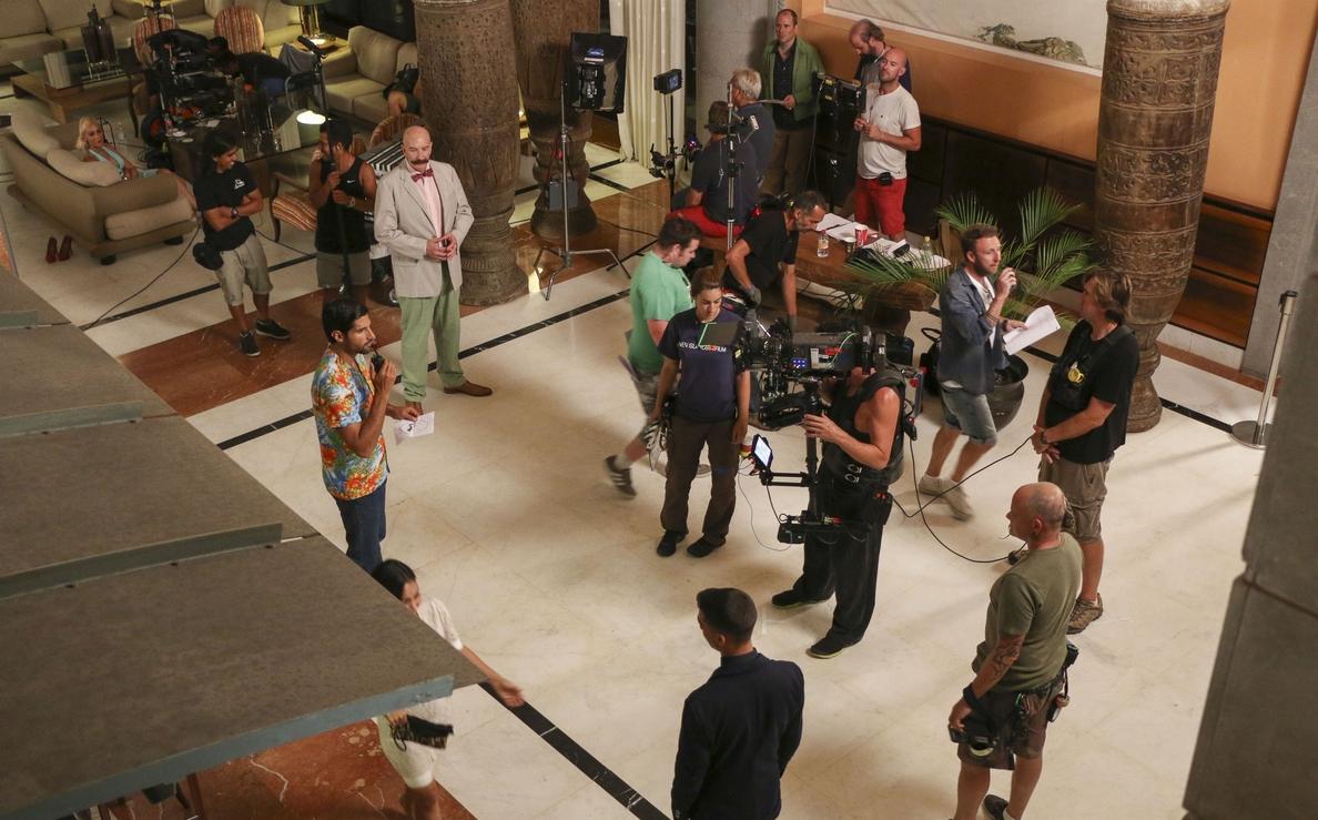 El Hotel Lopesan Costa Meloneras acoge varias escenas de »Woody», la nueva serie de la BBC
