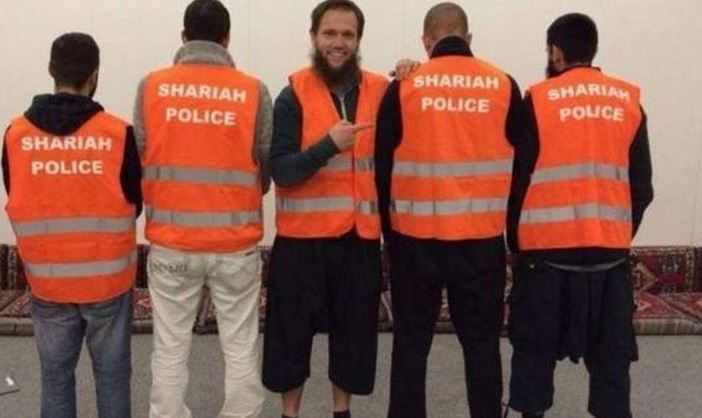 Radicales vigilan que se cumpla la sharia en las calles de Alemania