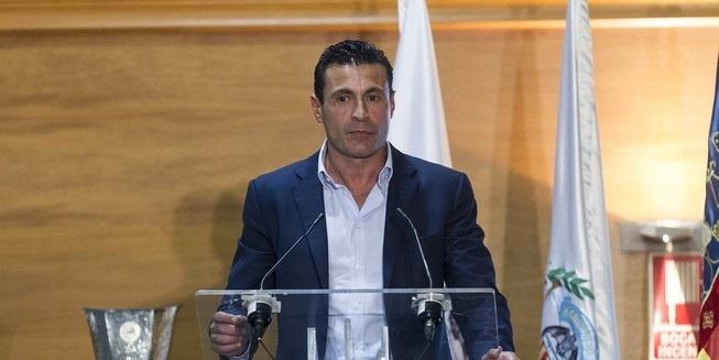 Salvo: «Si decido seguir como presidente del Valencia no puedo estar como este año y medio»