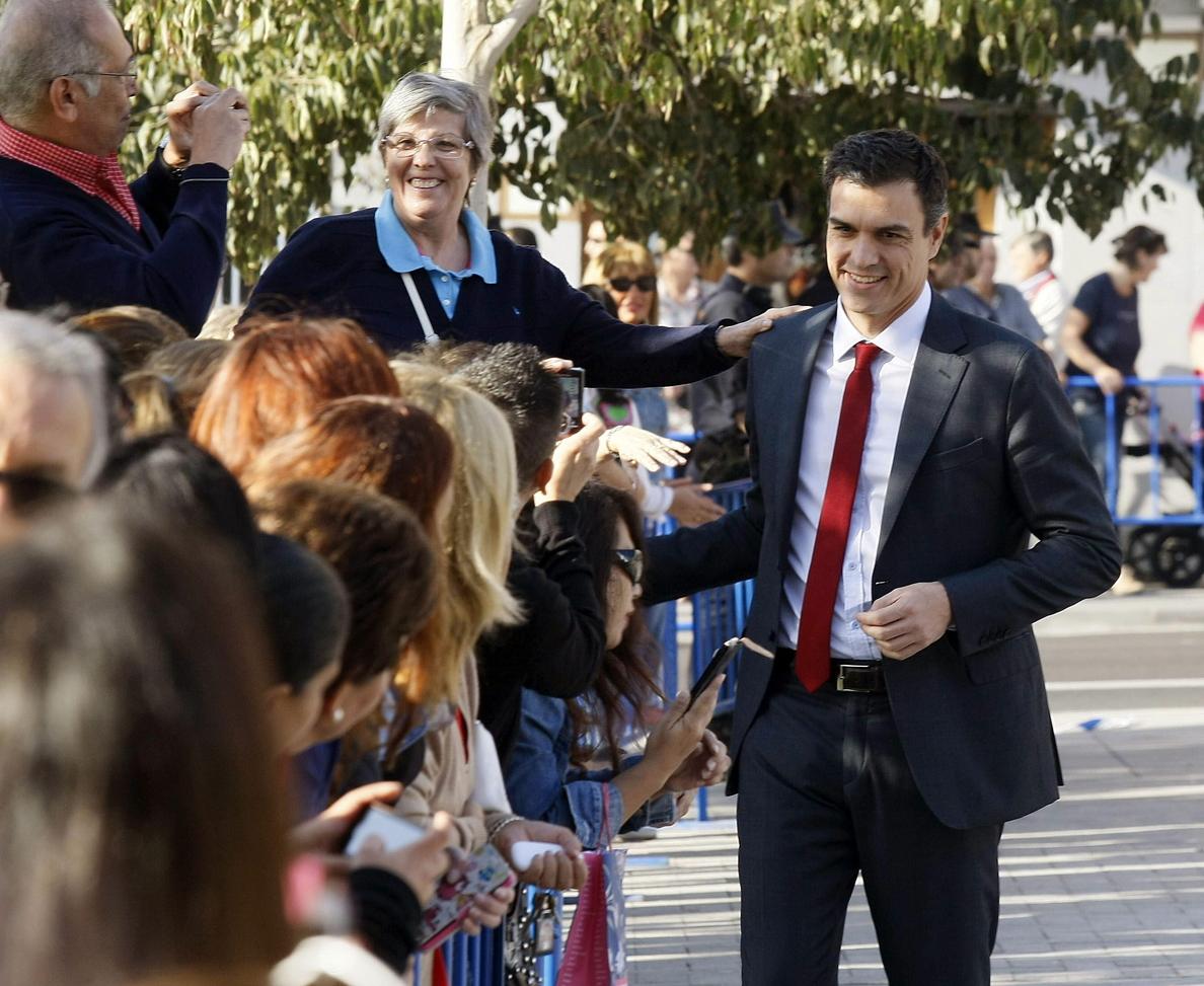 Pedro Sánchez ofrece al PP recuperar «el espíritu de pacto»