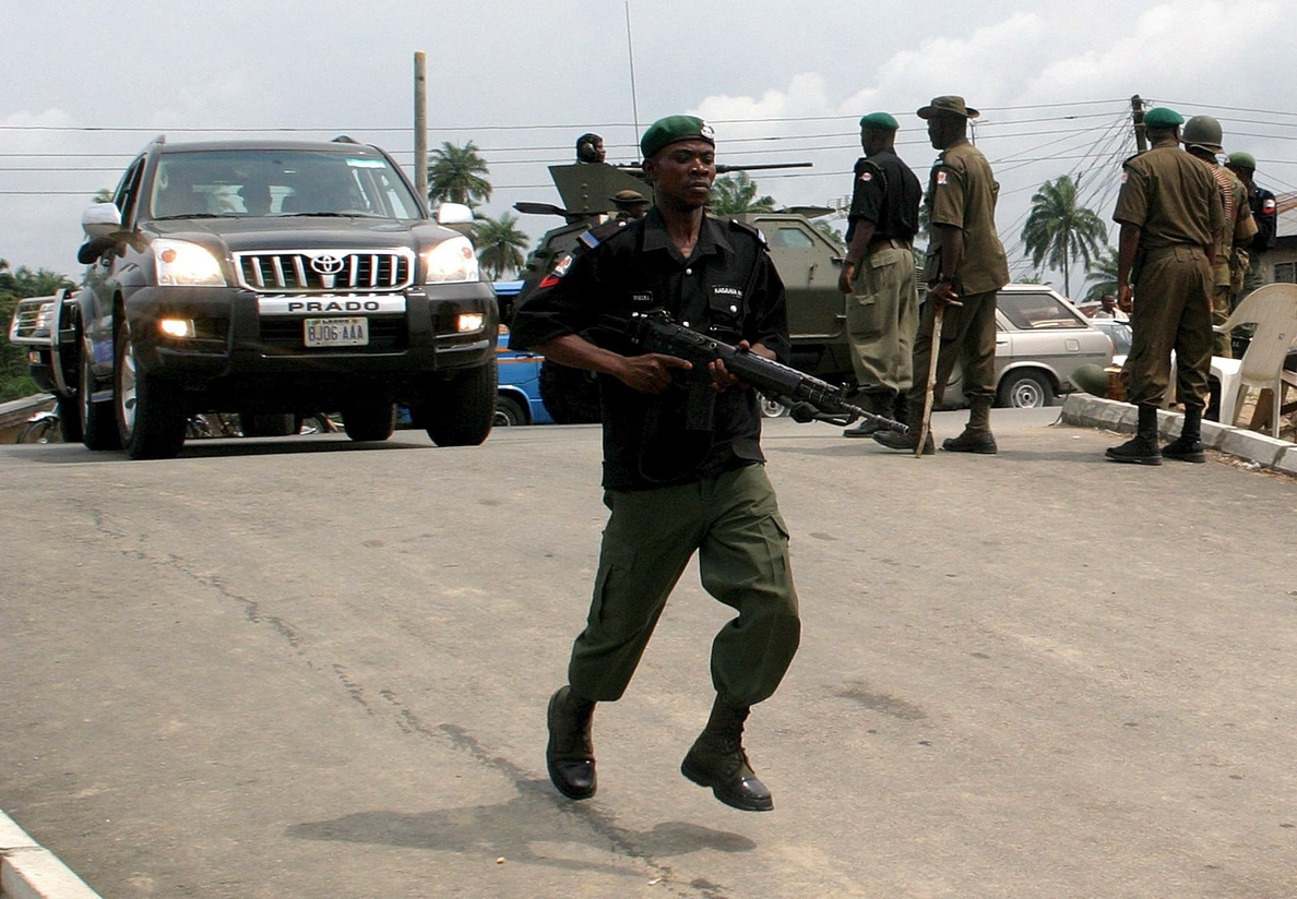Al menos 144 presos escapan de una prisión de Nigeria tras un ataque armado