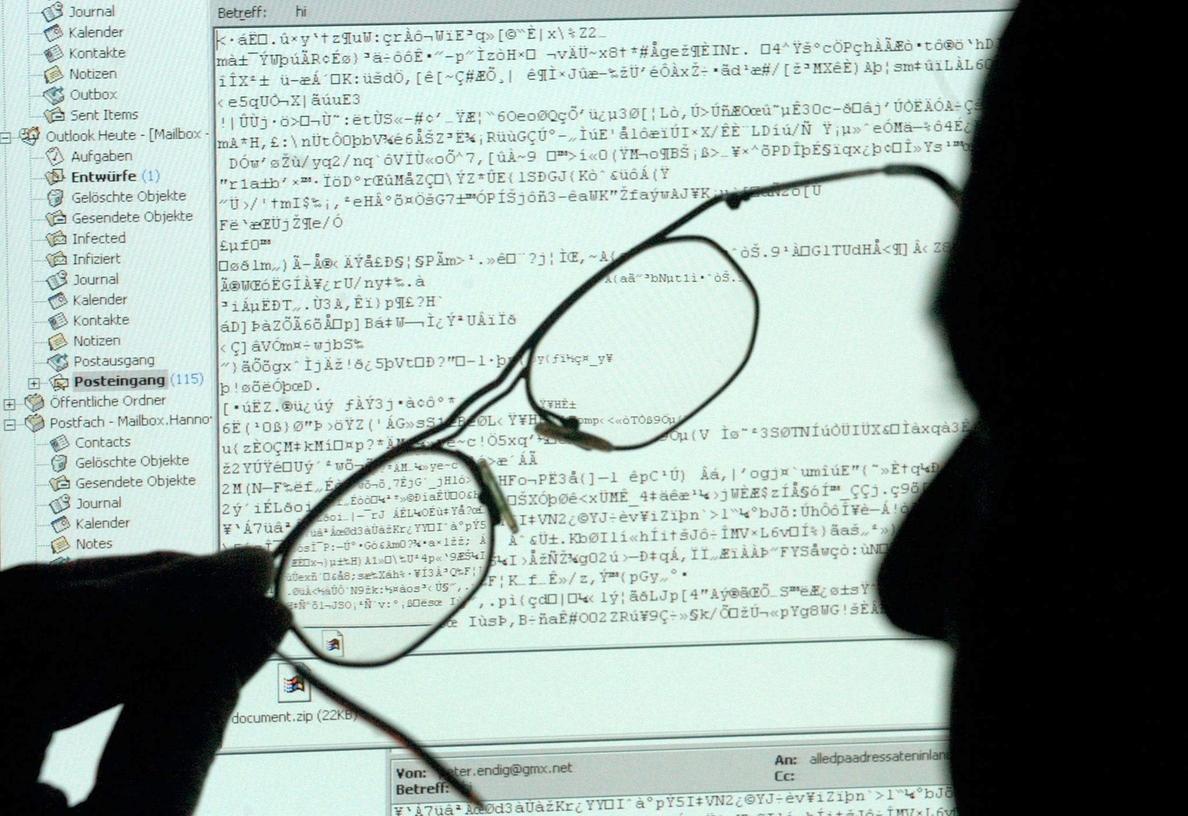 Las redes sociales ayudan a los terroristas, según la inteligencia de Reino Unido