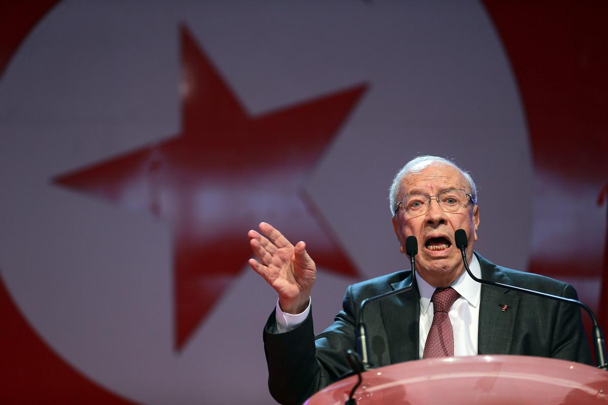 Abren en Túnez los colegios electorales para la segunda vuelta de las presidenciales