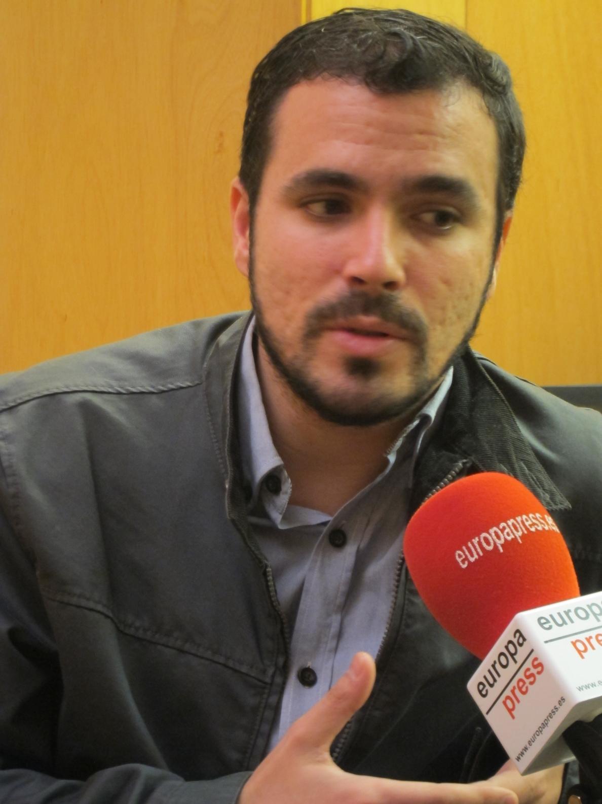IU acusa a Podemos de «ambigüedad ideológica» y virar hacia la socialdemocracia sacrificando principios de la izquierda