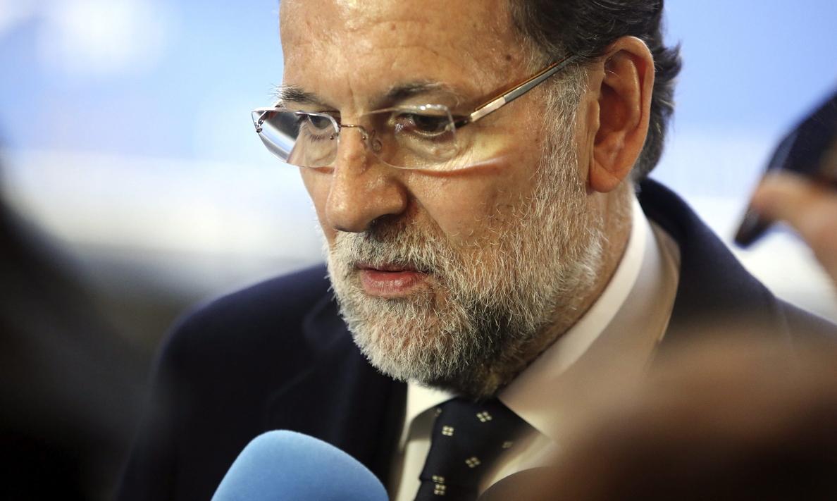 Rajoy llama a los suyos para salir a la calle a recuperar votos