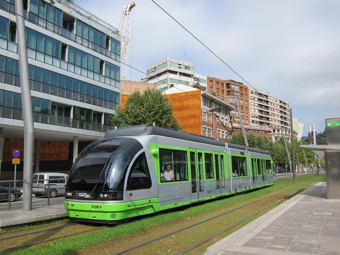 Tranvía de Bilbao ofrecerá servicios especiales y realizará un corte parcial por el partido entre Athletic y Atlético