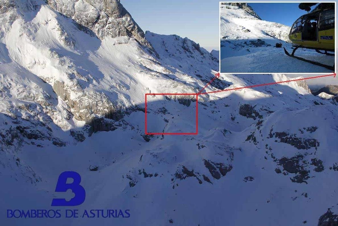 Trasladan al HUCA a un hombre de 37 años que resultó herido tras caer en los Picos de Europa