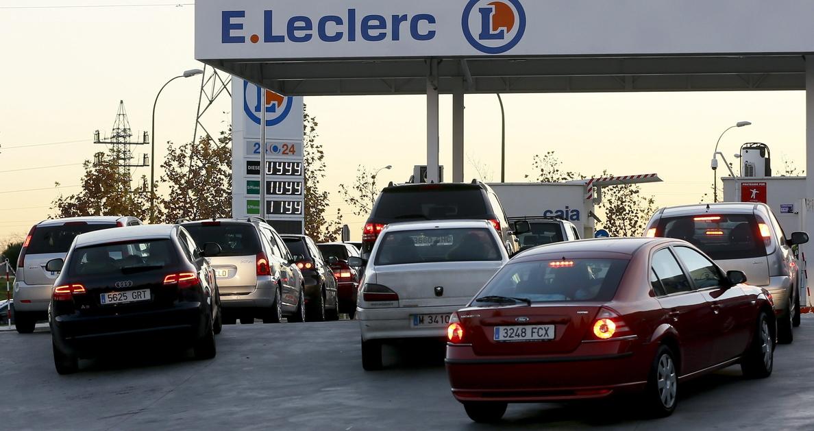 Diferencias entre el precio de los carburantes y la cotización del crudo