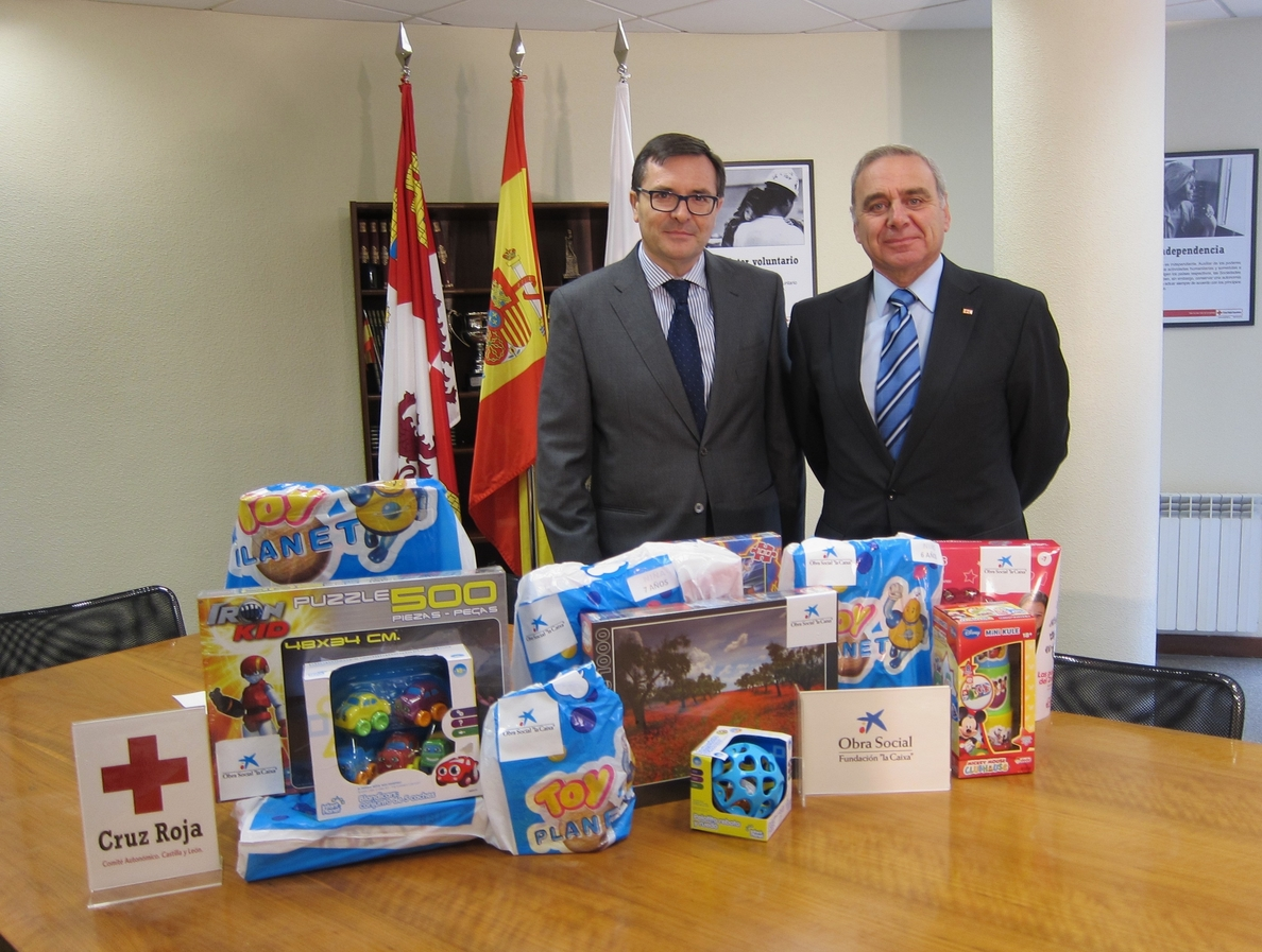 Cruz Roja CyL reparte juguetes nuevos a más de 5.000 niños de familias en situación de pobreza energética y alimentaria
