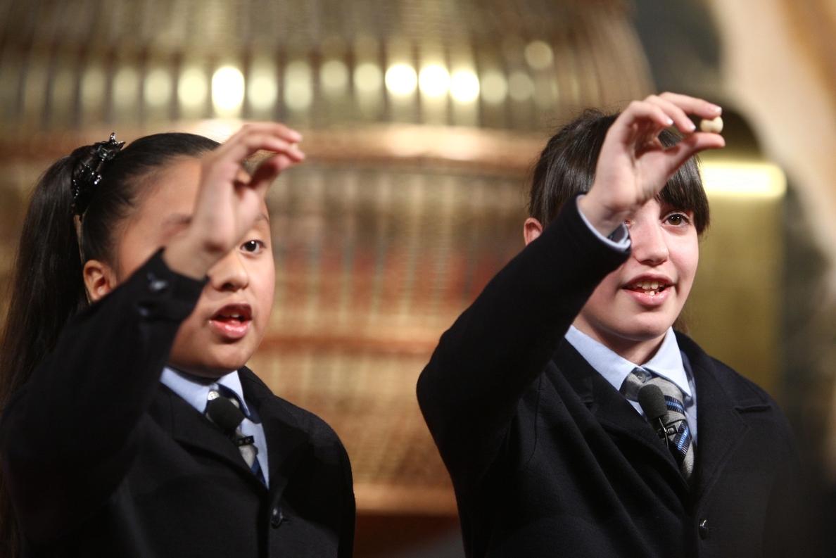 Una parroquia reparte casi dos millones en el quinto premio: «Las campanas no dejan de sonar en el Alfafara»