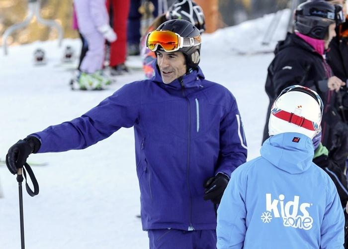 Jorge Fernández disfruta de la navidad con su hijo en la nieve