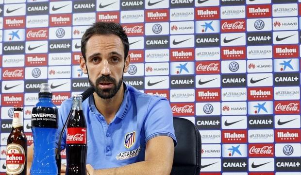 Juanfran: «Si el Madrid es el equipo de Dios, el Atlético es el de la gente humilde»