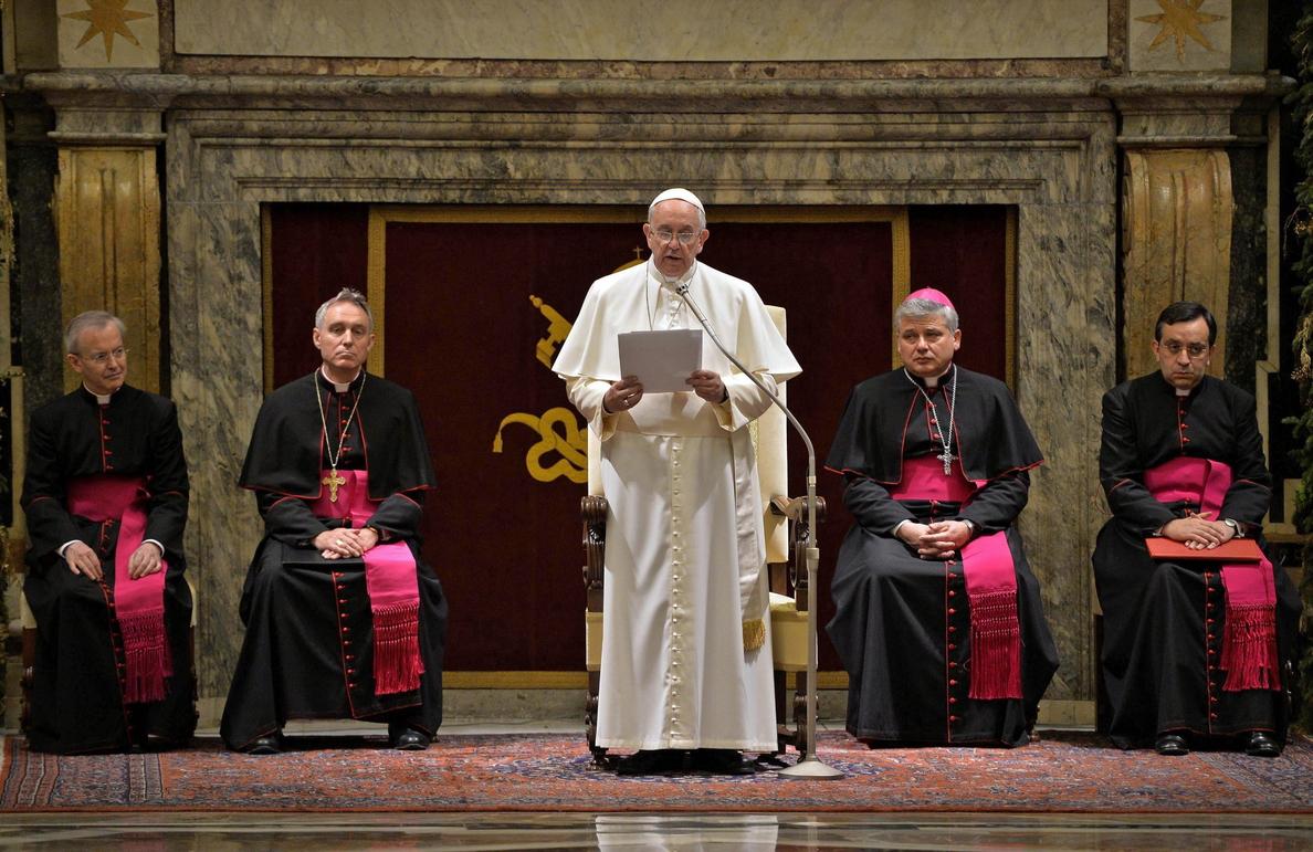 El papa pide perdón por sus errores y por algunos escándalos de la Iglesia