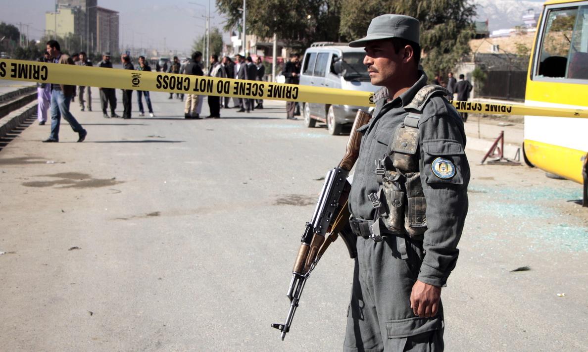 49 insurgentes y 5 soldados muertos en enfrentamientos en Afganistán