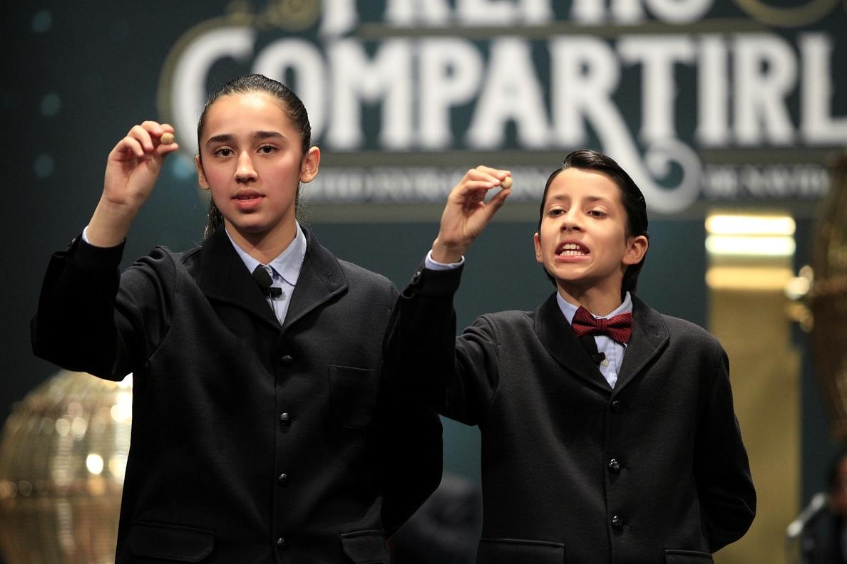 Nueve municipios canarios reparten uno de los cuartos premios: el 07.617