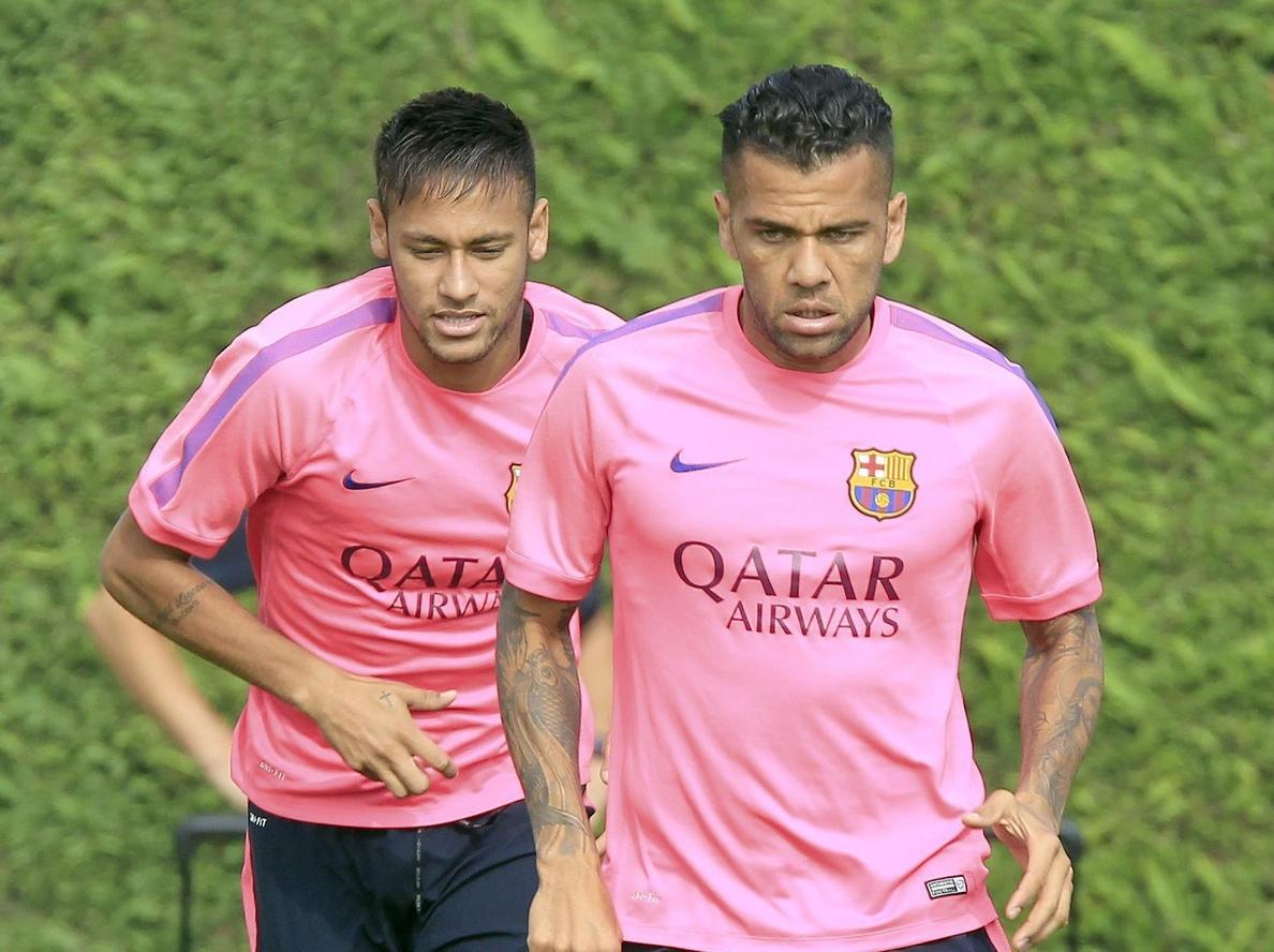 Dani Alves, Deulofeu y Denis Suárez son ahora los »fichajes» del Barcelona