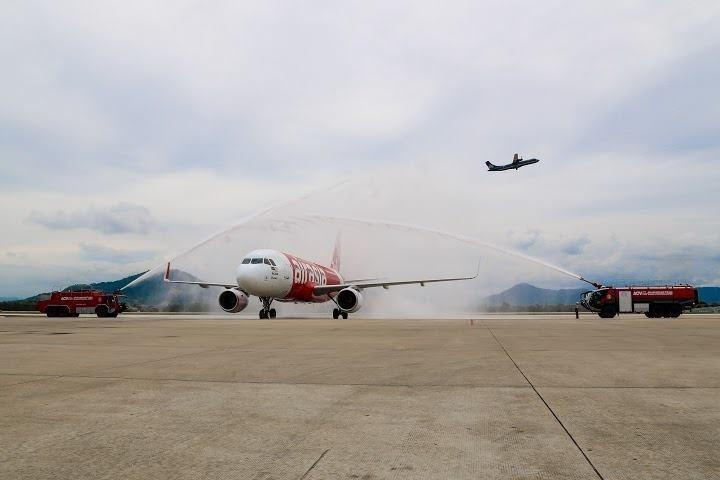 Rescatados más de 40 cadáveres de pasajeros del avión de AirAsia