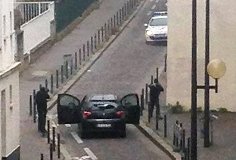 Al menos 12 muertos en el tiroteo contra el semanario de las caricaturas de Mahoma en París