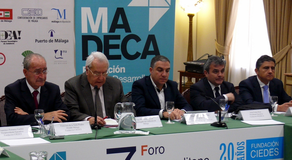 Alcaldes del área metropolitana abogan por la coordinación entre administraciones para culminar el saneamiento
