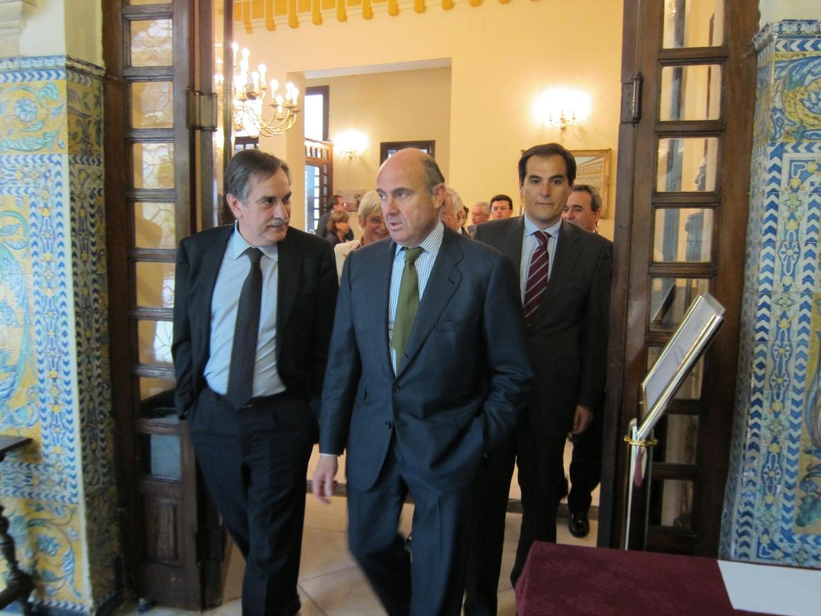 (Amp.) De Guindos avisa a Grecia que debe respetar las reglas y asumir sus compromisos de pago de la deuda