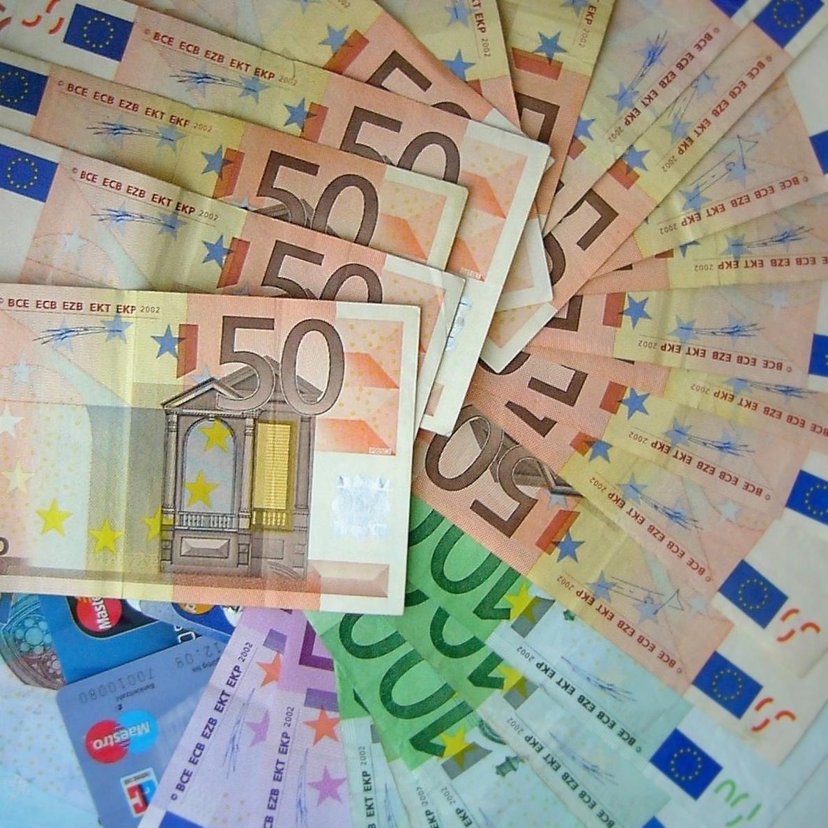 (Ampliación 2) El Tesoro coloca 4.172 millones en bonos y obligaciones con los intereses en mínimos