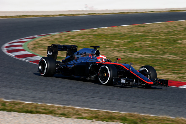 El McLaren se para por problemas de motor y el recambio no llegará hasta el sábado