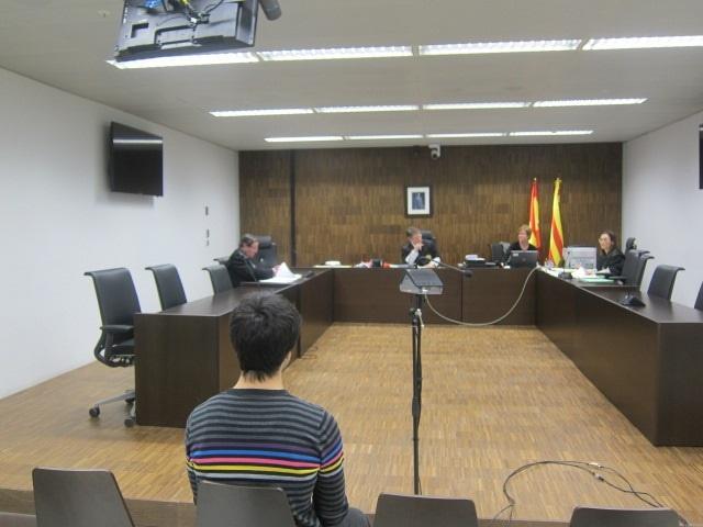 Un juez absuelve a un detenido de Can Vies en Barcelona y señala «contradicciones» en la versión policial