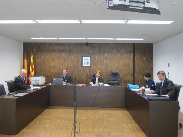 Fiscalía pide multar a Piqué con 900 euros por insultar a dos urbanos tras una infracción de tráfico