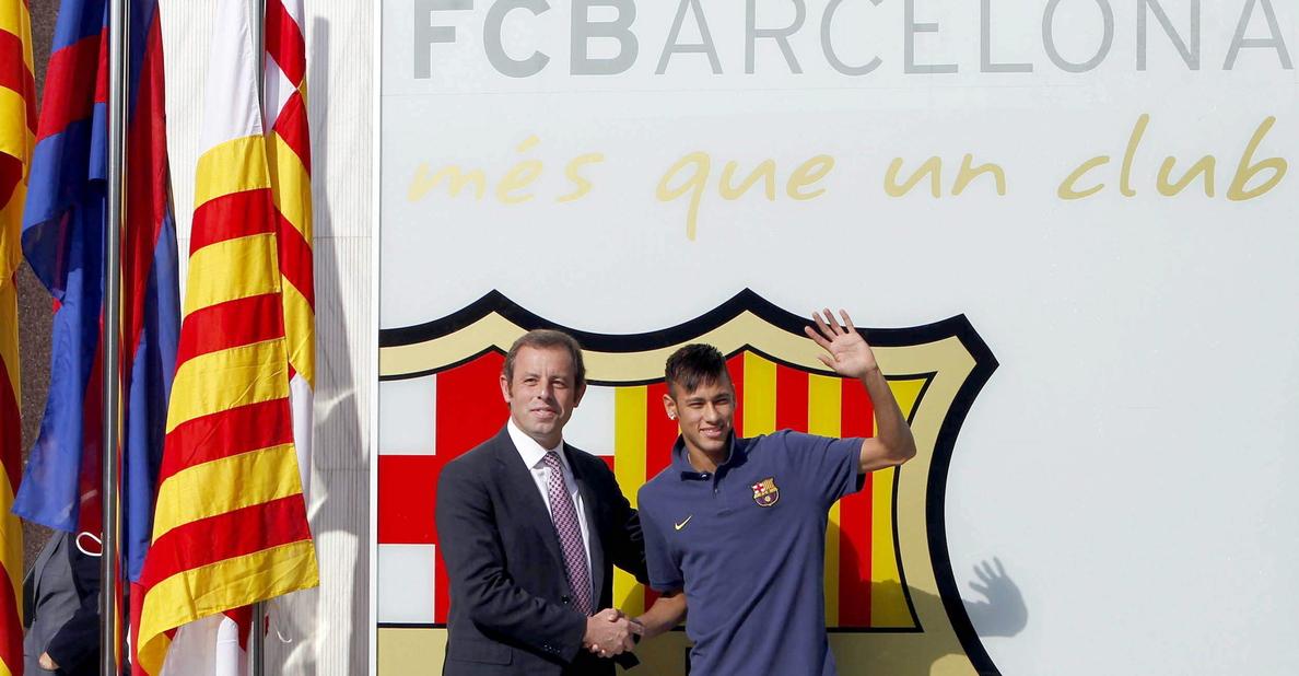 Neymar declarará ante la justicia brasileña por su traspaso al Barça