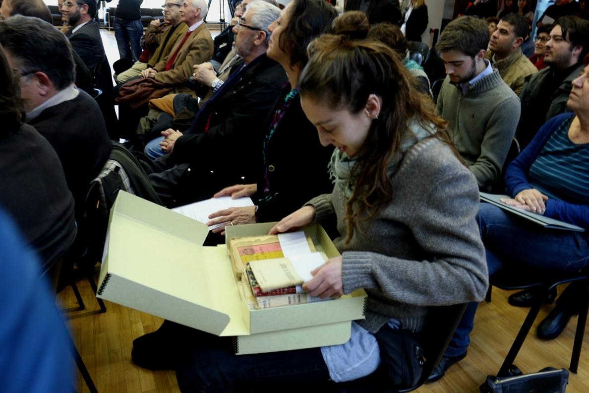 La Generalitat devuelve más de 6.000 documentos de la Guerra Civil a sus dueños